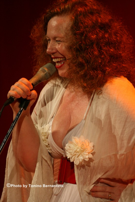 An intimate night with Sarah Jane Morris in aid of Pledge Music.