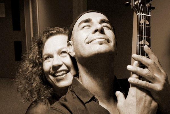 Sarah Jane Morris and Antonio Forcione